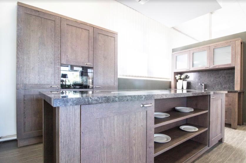 Podle čeho vybrat pracovní desku do kuchyně?